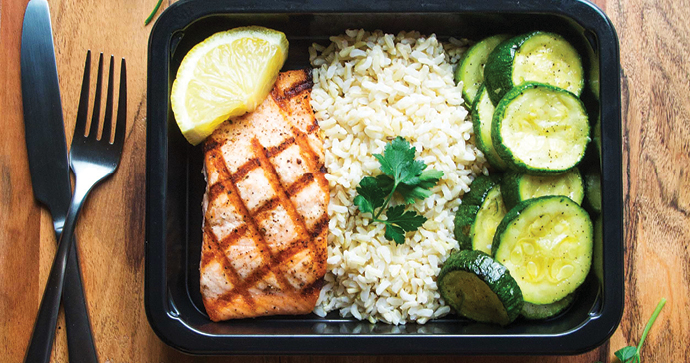 local_food_grilled_salmon_meal